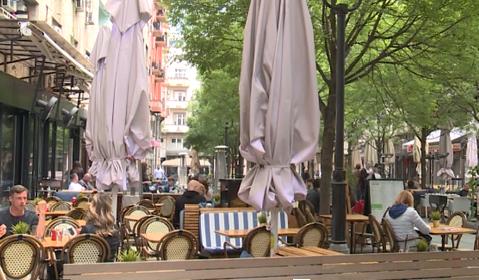 Kafići i restorani u Srbiji PONOVO RADE: Propisane mere se poštuju, gostiju manje nego inače (VIDEO)