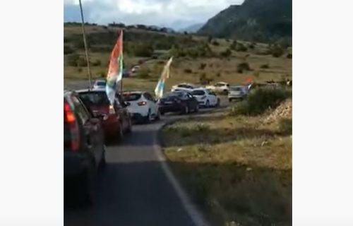 Smiriju se tenzije u Crnoj Gori: Policija popustila pred Joanikijem i Amfilohijem (VIDEO)