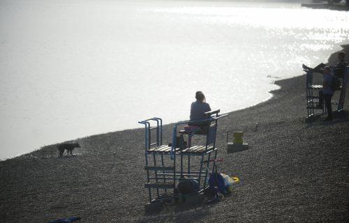 Za Novu godinu se kupali na Adi Ciganliji: Muškarac i žena ŠOKIRALI BEOGRAĐANE (FOTO)