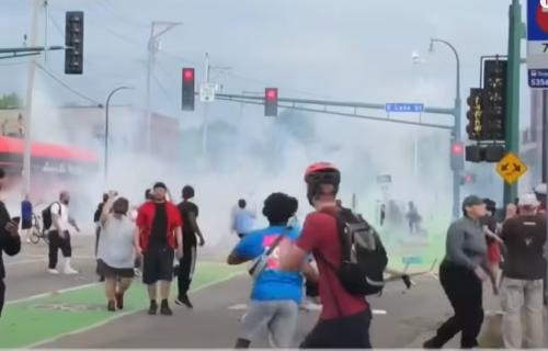 Rat na ulicama Mineapolisa! Grad gori zbog smrti košarkaša, A IMA I MRTVIH! (VIDEO)