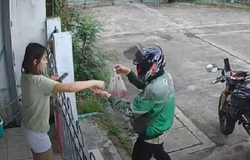 Blam! Izašla na kapiju da preuzme naručenu hranu, a onda se SRUŠILA na pod (VIDEO)