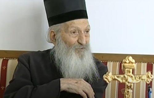 Patrijarh Pavle mu je na SAMRTI poželeo da sedne na presto SPC, sada od njega STREPI režim u Podgorici