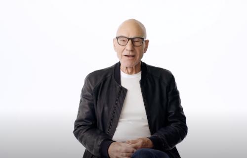 Najbolja stvar koju ćete danas videti na internetu: Patrik Stjuart svaki dan čita poeziju (VIDEO)