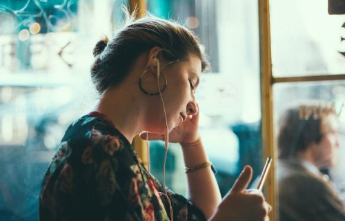 Naučnici otkrivaju: Postoje DVA razloga zašto su neke žene stalno NESREĆNE