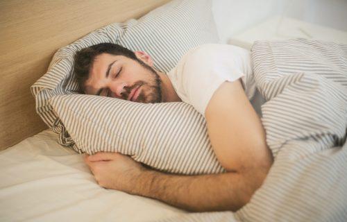 Otarasite se loših navika: Šta NIKAKO ne smete da radite pre spavanja!