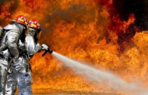 Gori Kalifornija: Požari se proširili, najmanje šest osoba poginulo, više desetina hiljada evakuisano