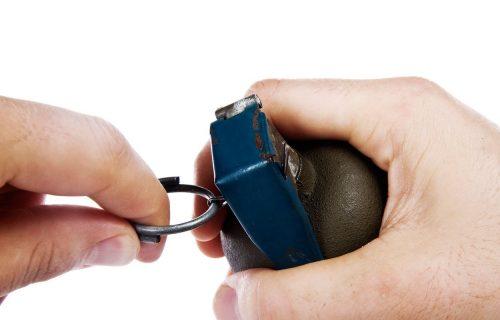 Eksplozija u Novoj Pazovi: Bačena bomba ka kući, srča na sve strane