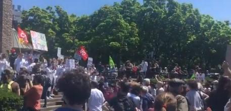 Stotine zdravstvenih radnika protestovalo zbog niskih plata (FOTO+VIDEO)