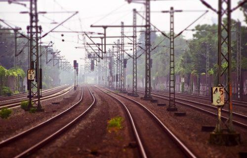TRAGEDIJA u Leskovcu: Muškarca pregazio voz, ostao je mrtav na licu mesta