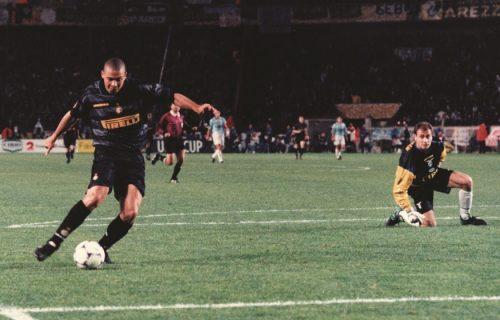 NIKADA nije naređivao igračima! Legendarnog Ronalda ŽESTOKO potresla smrt nekadašnjeg trenera! (FOTO)