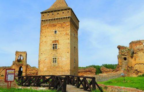tvrđava Bač