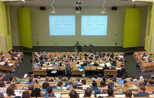 PRODUŽEN rok za završetak studija: Skupština Srbije usvojila izmene i dopune Zakona o visokom obrazovanju