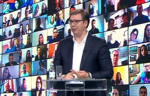 Vučić poručio: Otvorio sam više od 150 fabrika, 2025. godine će prosečna plata u Srbiji biti 900 evra (FOTO+VIDEO)