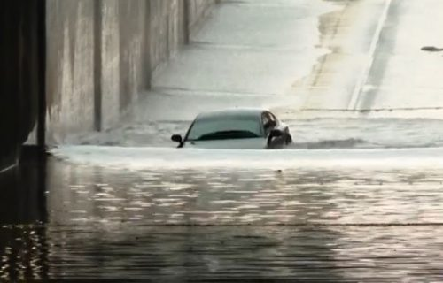 Okušao sreću i zaplivao: Audi Quattro ipak ne radi pod vodom (VIDEO)