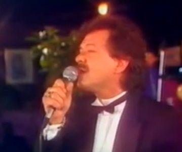 Skočio sa Pančevačkog mosta, a njegova smrt do danas je ostala MISTERIJA: Tragičan kraj našeg pevača