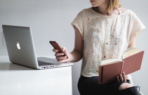 Previše vremena provodimo za ekranom: Postoje TRIKOVI koji će vam omogućiti da manje gledate u TELEFON