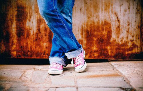 Trend koji nećete moći da izbegnete: Baggy jeans će biti neizostavni deo vaše modne kombinacije (FOTO)