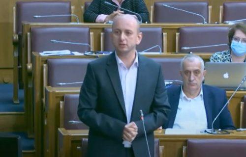DPS na vlasti u Crnoj Gori je prošlost! Knežević je doneo KONAČNU odluku, evo ko će vladati Podgoricom