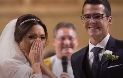 Plakala kao kiša: Spremala se da kaže DA, a onda joj je budući muž priredio NAJVEĆE iznenađenje (VIDEO)