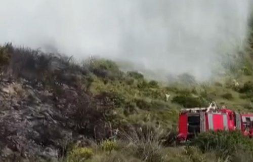 Požari u Podgorici i Tuzima: Kuće ugrožene u Bratonožićima