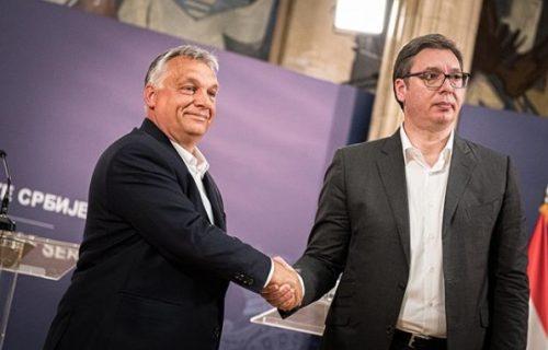 """Čestitam, Aleksandre! Čestitam, SNS"": Orban među prvima čestitao Vučiću pobedu na izborima (FOTO)"