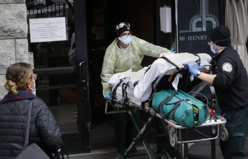 Mračne prognoze stručnjaka: U Americi bi od korone moglo da umre 20.000 ljudi za MESEC dana
