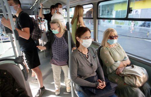 Paprene kazne ako nemate masku u prevozu i u trgovinama: Evo kada počinje kažnjavanje i koliko će koštati