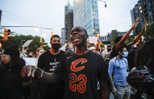 Njujork strahuje od SKOKA broja zaraženih zbog protesta: Gradonačelnik moli demonstrante da se testiraju