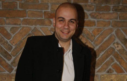 Bojan Marović konačno pokazao sa kim deli postelju: Dani su lepši, zagrljaji verniji! (FOTO)