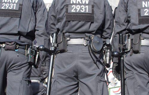 """Uhapšena tri člana """"Pink pantera"""": SRBI PLJAČKALI tokom policijskog časa, ali ovome se nisu nadali"""