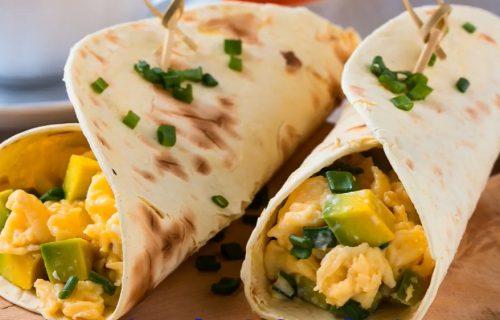 Burito sa jajima i povrćem: Spremite savršen doručak za 5 minuta (RECEPT)