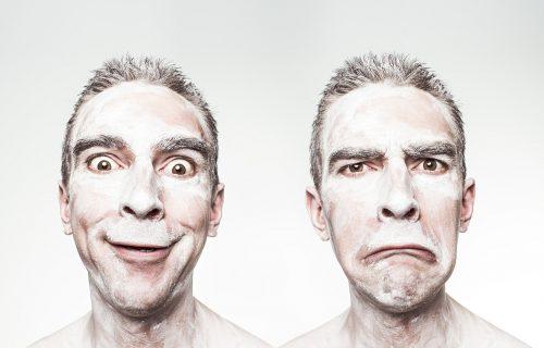 Ovo je ZNAK da sagovornik ima loše mišljenje o vama: Obratite pažnju na njegove RUKE!