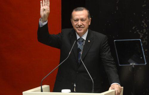 Erdogan krenuo PROTIV svih: Besan zbog ODNOSA prema muslimanima, Makrona brutalno izvređao
