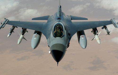 Američki borbeni avion pao u more kod Engleske, ne zna se sudbina pilota