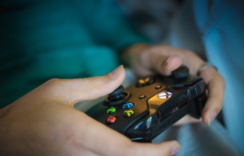 Konkurencija ne miruje: Nova Xbox konzola biće jeftinija od Playstation 5? (VIDEO)