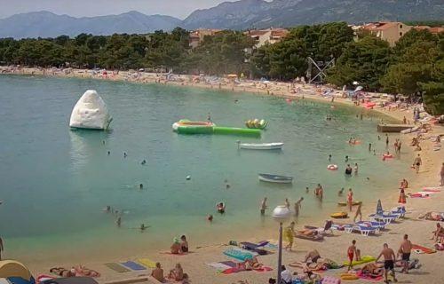 Odvratan prizor tik ispod površine mora u Hrvatskoj: Snimak na Fejsbuku podigao uzbunu (VIDEO)