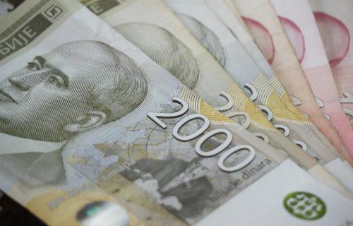 Danas država isplaćuje novac za septembar, proverite tekući račun