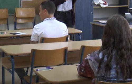 """Pitanja """"ponižavajuća"""", rezultati LOŠI: Pored đaka test polažu i nastavnici, SPOSOBNOST zabrinjavajuća"""