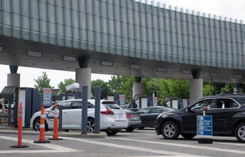 Prvi veći talas turista: Očekuje se pojačan saobraćaj i gužve na graničnim prelazima