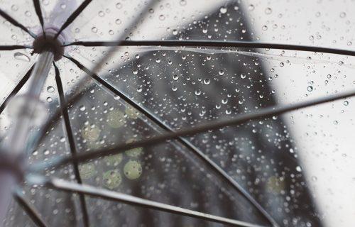 Opet je vreme za kišobrane: Jutro hladno i suvo, tokom dana NAOBLAČENJE