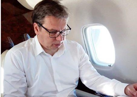 Vučić doputovao u Moskvu, na Instagramu objavio kako se priprema za sastanak (FOTO)