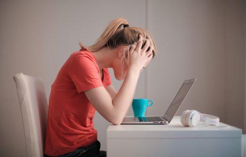 Oslobodite se stresa na 8 neuobičajenih načina, od kojih jedan uključuje i ČEŠALJ