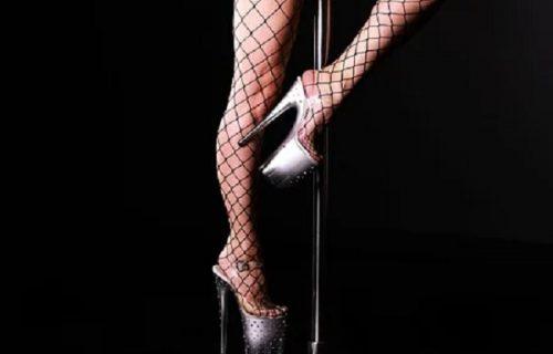 """Parola """"snađi se"""" uspela! Striptiz klubu ni korona ne može ništa, ovako su je prevarili (VIDEO)"""