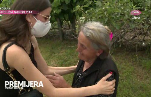 Milica Pavlović pomogla baki Smilji koja je POTRESLA Srbiju: Briznula u plač kad je srela pevačicu (FOTO)
