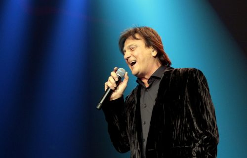 Ova PESMA danas je veliki hit popularne pevačice: Prvo je ponuđena Zdravku Čoliću, ali je ODBIO (VIDEO)
