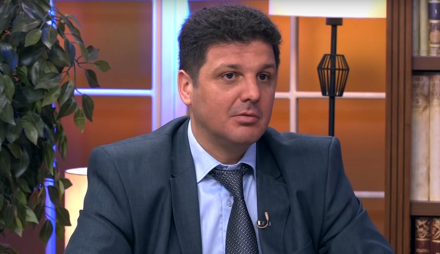 """Aleksandar Vučić je zaštitio nacionalne interese Srbije"""": Bratislav Jugović  o napadima opozicije - Objektiv"""