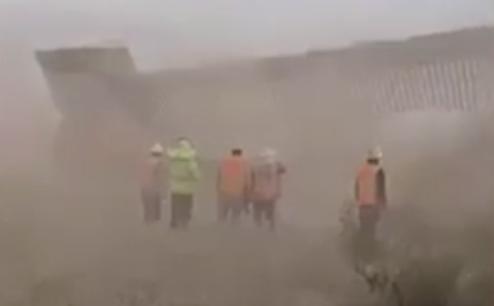 """Hana udarila na Trampov """"neuništivi"""" zid na granici sa Meksikom: Uragan prevrtao sve pred sobom (VIDEO)"""