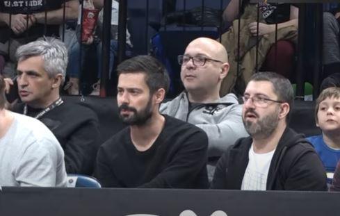 "Milan Vasić ima najbolji natpis na ogradi, a samo da znate kakav ""grobar"" ga ČUVA! (VIDEO)"