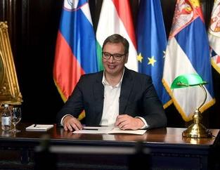 """""""Srbija neće biti negativac"""": Vučić u NAJVEĆEM intervjuu za američke medije govorio o KiM, Trampu, EU..."""
