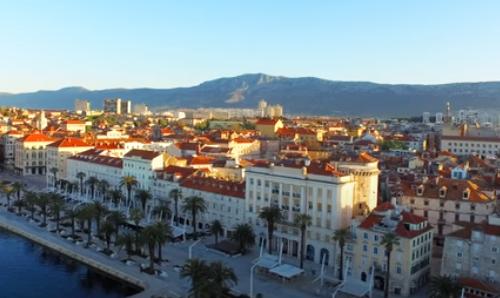 Uklonjen sramni grafit u Splitu koji poziva na silovanje srpskih žena i dece